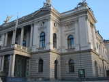 Zurich, Opernhaus Close-up (61 kbytes) - Click to enlarge